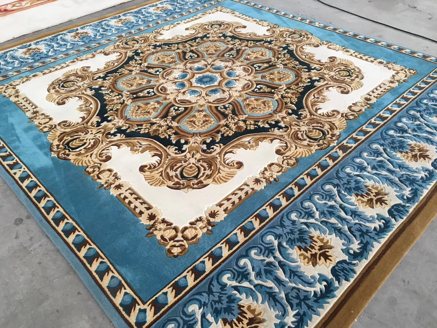 hand tufting persian carpet